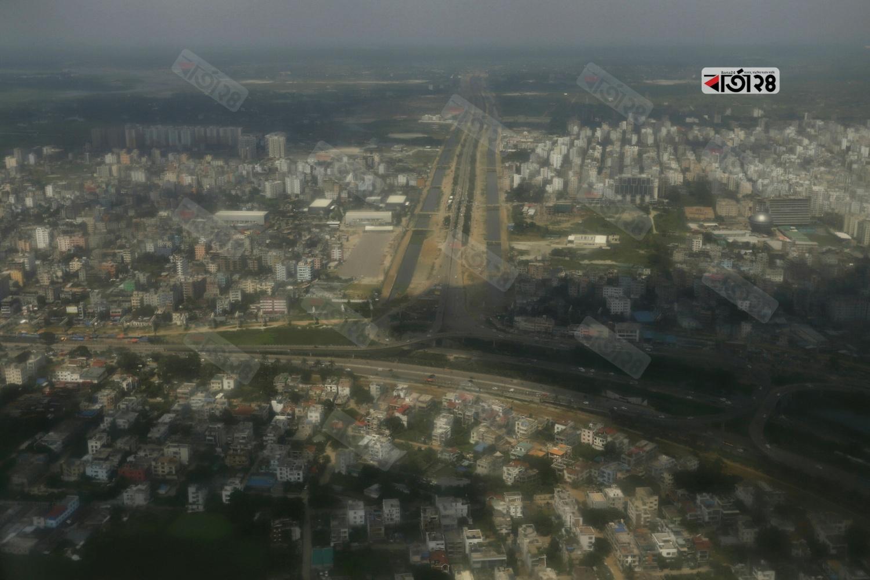 ইট পাথরের শহর ঢাকা। ছবি : সুমন শেখ